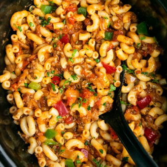 Easy Slow Cooker American Goulash Recipe
