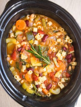 Easy Minestrone Soup in Black Slow Cooker