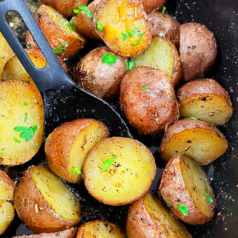 Easy Ranch Potatoes in Black Slow Cooker